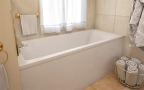 AquaStone Арма 170 Ванна из литевого мрамора, размер 170х70 см, высота - 66 см, глубина - 45 см. Ножки в комплекте.