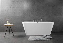 BELBAGNO BB19 Ванна акриловая отельностоящая овальная в комплекте со сливом-переливом цвета хром